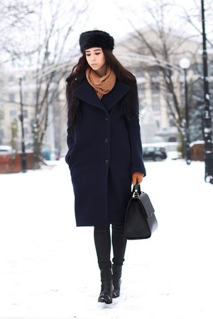 navy acne coat - black new look hat - tawny Zara gloves