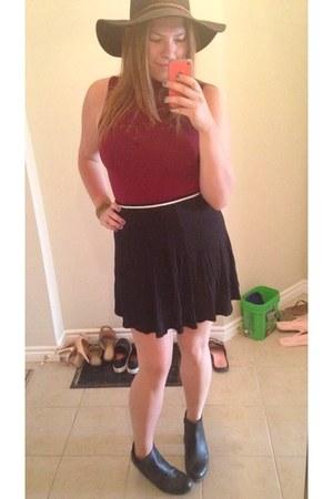 brick red lace Forever 21 blouse - black urban behavior skirt