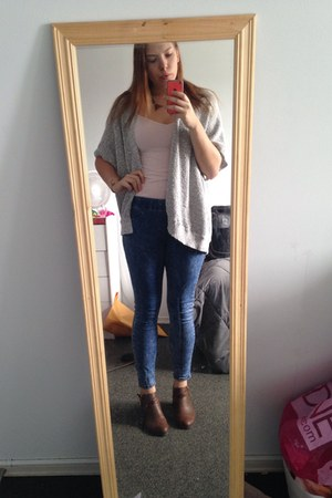 brown Accessorize shoes - blue Forever 21 jeans - light pink Old Navy shirt