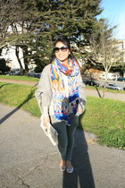 cocoon Zara sweater - H&M scarf - clutch Chinese Laundry bag - Chloe sunglasses