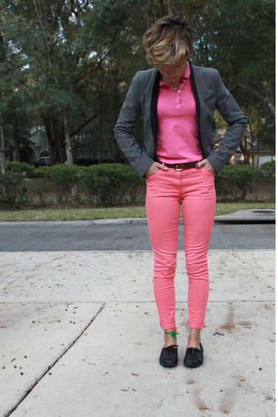 dark brown leather Ann Taylor Loft belt - salmon high-waisted H&M jeans