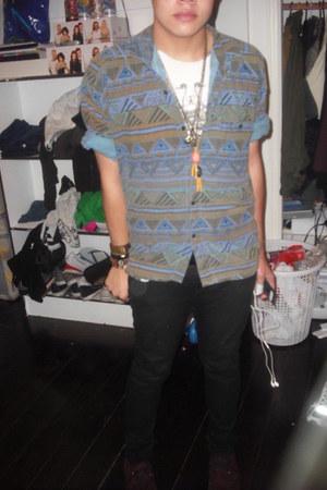 bracelet - shoes - jeans - shirt - mustard necklace