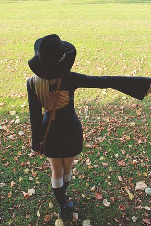 Forever 21 ring - Miss Lolla dress - Forever 21 hat