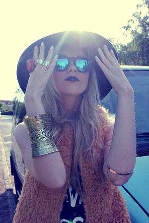 style moi bracelet - Scoop boots - LoveD sunglasses - style moi vest - H&M ring