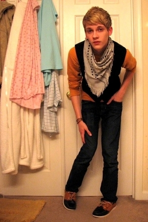 vintage vest - f21 sweater - Urban Outfitters scarf - Bullhead jeans - Sebago sh