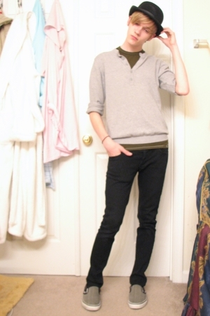 Fantasy hat - H&M sweater - Champion t-shirt - social collision jeans - Vans sho