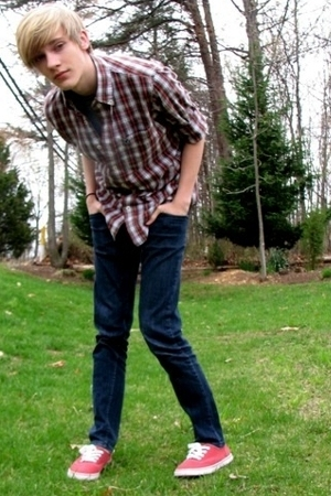 American Eagle shirt - social collision jeans - merona shoes