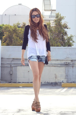 sky blue GRACE IN LA shorts - white PUBLIK top