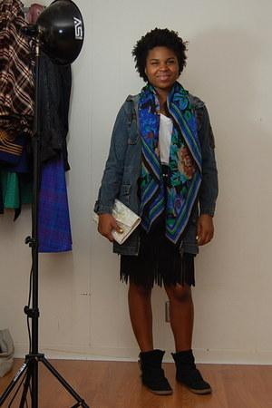 belt - - Gap t-shirt - skirt - scarf - boots