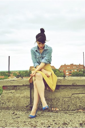 mustard vintage Unnamed skirt - blue vintage Moschino blouse - blue Zara heels