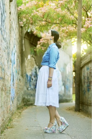 white Mart of China wedges - white vintage skirt - blue Moschino blouse