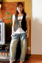 vintage jeans - vintage vest - vintage t-shirt