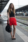 Red-h-m-skirt