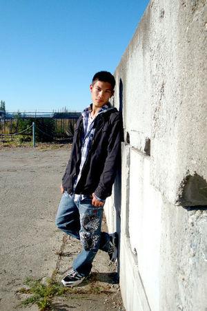 blue Karakuri Tamashii jeans - white H&M shirt - blue Forever 21 shirt - black F