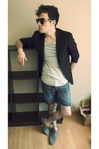 H&M blazer - Zara t-shirt - Sickonineteen jeans - Zara shoes