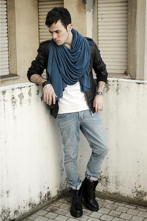 Zara scarf - Zara jacket - Dr Martens boots