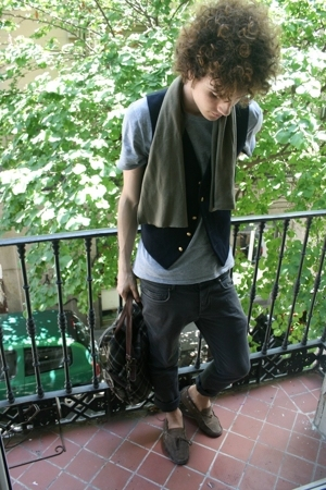 vintage scarf - Ralph Lauren vest - Thomas Burberry t-shirt - H&M pants - Superg