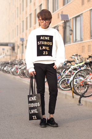 acne sweatshirt - rumour tote acne bag