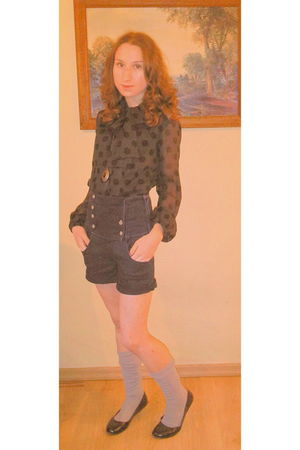 gray Vero Moda blouse - gray socks - blue shorts - gold H&M necklace - black H&M