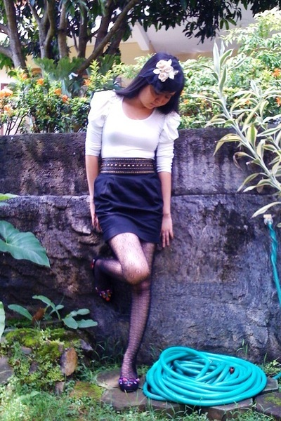 gold my DIY - white top - black belt - black skirt - black tights - black my DIY