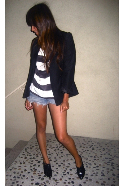 white Urban Outfitters blouse - gray Dolce Vita shoes - black vintage blazer