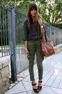 Black-blouse-green-free-people-jeans