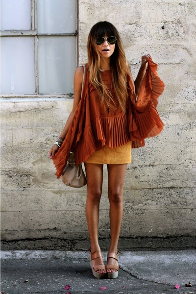 camel suede f21 skirt - off white HoBo International bag