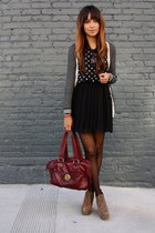 black pleated f21 skirt - crimson Marc Jacobs bag