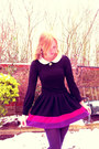 Black-f-f-dress-deep-purple-f-f-tights-hot-pink-topshop-skirt