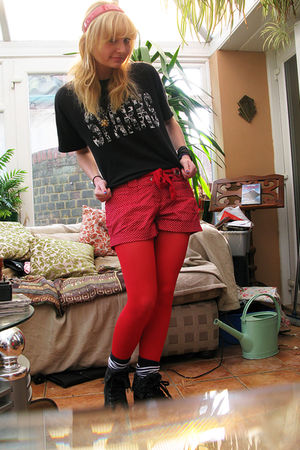 black sparks shirt - red Claires tights - red white polka dot Primark shorts