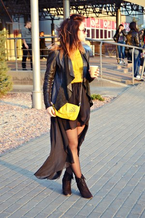 yellow Bershka bag
