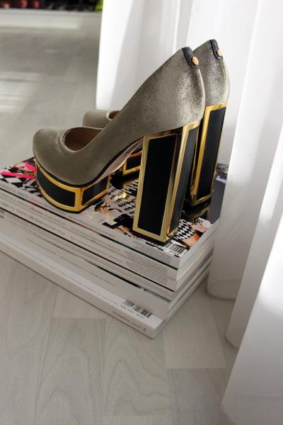 silver Kat Maconie heels