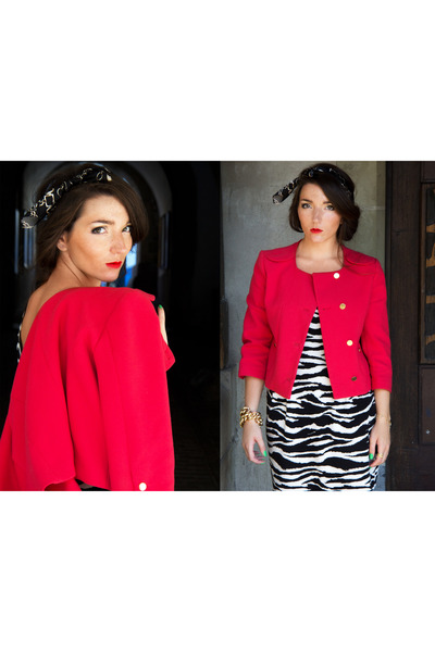 red boxy jacket H&M Trend jacket - black zebra print H&M dress