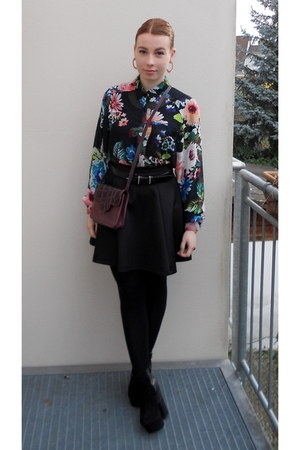black Shop in Japan boots - maroon thrifted bag - black Stradivarius skirt