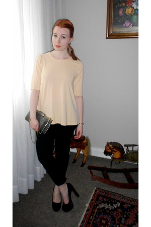 black H&M pumps - light orange COS shirt - heather gray vintage bag
