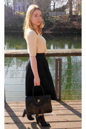 black Aldo boots - nude COS shirt - black thrifted bag - black H&M skirt