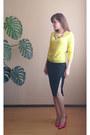 Hot-pink-a-g-shoes-yellow-knitted-zolla-sweater-black-pencil-ostin-skirt