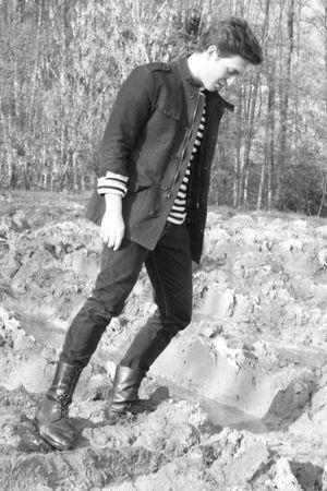 Zara jacket - Levis jeans - Club Monaco shirt - vintage boots