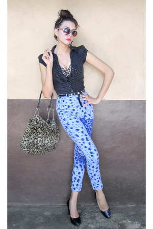 black pumps - leopard print purse - pants - dotted blouse - black belt