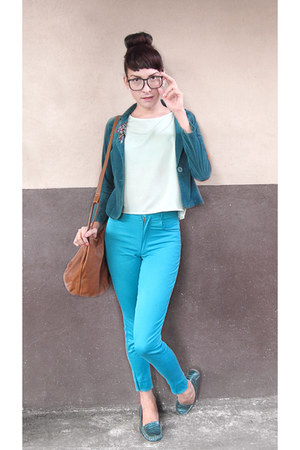teal corduroy blazer - brown bag - lime green loose blouse