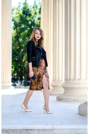 black pull&bear jacket - black meli melo bag - brown Zara skirt