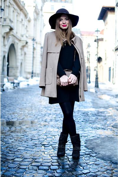 dark brown Tino González boots - black Lefties dress - beige Stradivarius coat