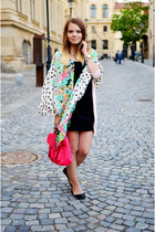 hot pink Lefties scarf - black Lefties dress