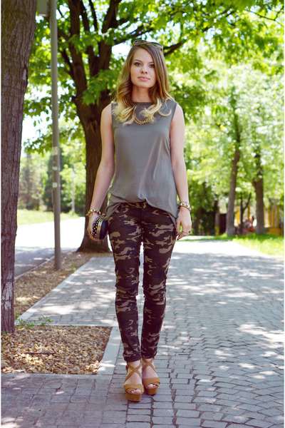 bronze Zara sandals - dark khaki Lefties top