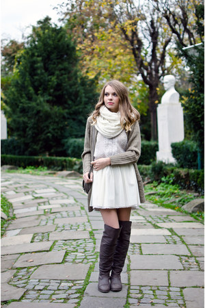 ivory Primark scarf - light brown Tino González boots - tan suiteblanco bag