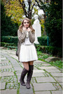 Light-brown-tino-gonzález-boots-ivory-primark-scarf-tan-suiteblanco-bag