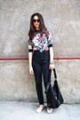 Black-pants-bubble-gum-blouse-light-pink-flats