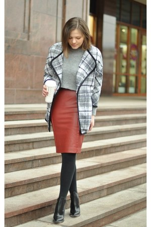 gray H&M jacket - brick red Zara skirt