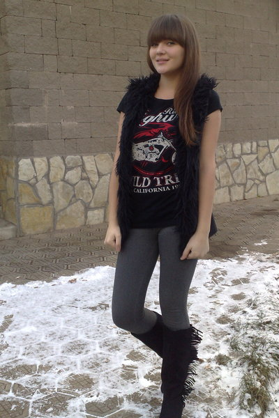 Zara vest - Zara t-shirt - H&M boots