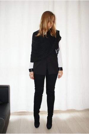 black c&a vest